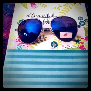 💋NWT Betsey Johnson Aviator Glasses 💋